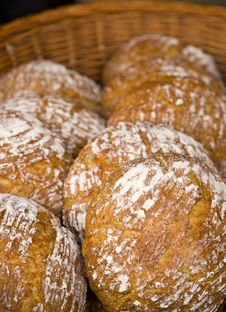 Free Basket With Bread Royalty Free Stock Photo - 14393225
