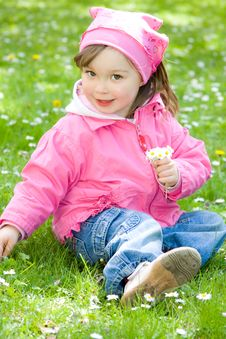 Free Little Girl In Park Royalty Free Stock Image - 14396536