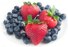 Free Strawberries And Blueberries Stock Photos - 14397403