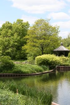 Free Lake With Gazebo And Gardens Stock Photography - 14399762