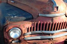 Free Old Rusty Car Royalty Free Stock Photos - 1440418