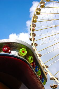 Free Ferris Wheel Royalty Free Stock Photos - 1445128