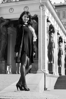 Free Beautiful Italian Woman On The Old City Street Stock Images - 14400134