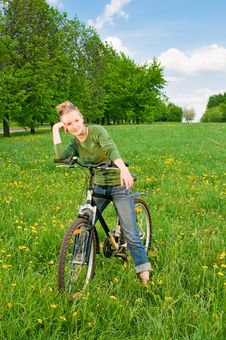 Free Woman With Bicycle Stock Images - 14400524