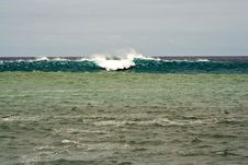 Free Heavy Waves With White Wave Crest Stock Photography - 14403382
