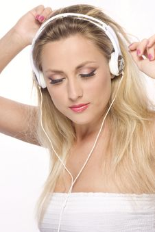 Free Pretty Model With White Headphone Royalty Free Stock Photography - 14403417
