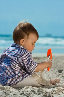 Free Child On A Beach Royalty Free Stock Image - 14412336