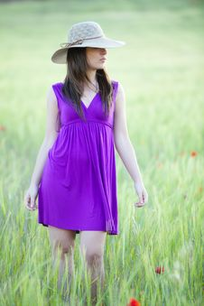 Free Hidding Behind Her Hat Royalty Free Stock Photo - 14414105