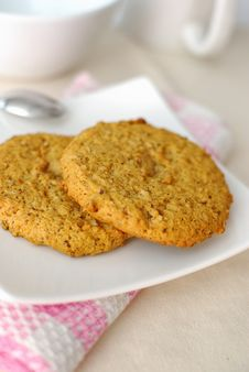 Free Closeup Of Wholemeal Cookies Royalty Free Stock Images - 14415419