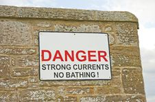 Free Danger Sign; No Bathing. Royalty Free Stock Photos - 14421368