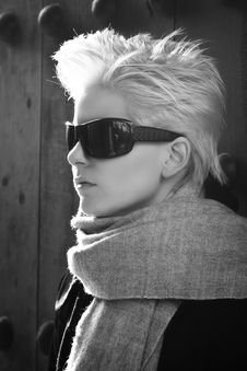 Free Young Blonde Wearing Sunglasses Stock Images - 14423224