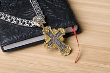Free Bible And Cross Royalty Free Stock Photos - 14426768