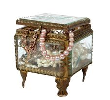 Free Casket With Jewelry Royalty Free Stock Image - 14432826