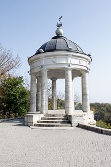 Free Gazebo In The Caucasus Mountains Royalty Free Stock Image - 14433246