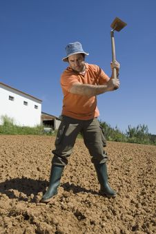 Free Farmer Working On The Farm Royalty Free Stock Images - 14433739