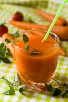 Free Glass Of Freshly Squeezed Carrot Juice Stock Photo - 14434990