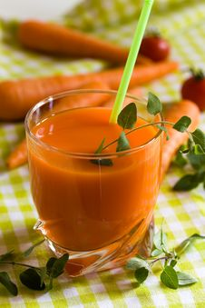 Free Glass Of Freshly Squeezed Carrot Juice Royalty Free Stock Photos - 14435018