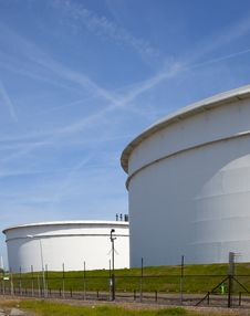 Free Oil Tanks Stock Photo - 14435310