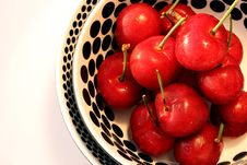 Free Bowl Of Cherries Royalty Free Stock Photos - 14435998