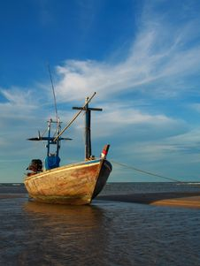 Free Fishing Boat In Blue Sky Stock Images - 14437834