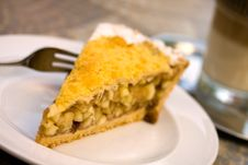 Slice Of Freshly Baked Apple Pie Royalty Free Stock Photos