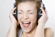 Free Beautiful Woman Singing Stock Photography - 14441072