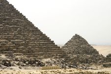 Free Pyramids Of Giza Royalty Free Stock Images - 14443279