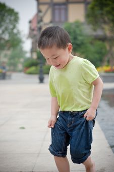 Free Running Chinese Boy Royalty Free Stock Images - 14446249