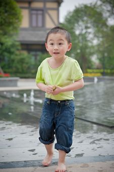 Free Cute Chinese Boy Stock Photography - 14446412