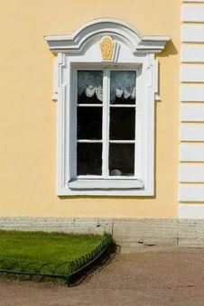Free Old White Window Stock Photo - 14449030