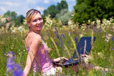 Free Success Girl In Outdoors Royalty Free Stock Photography - 14449537