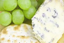 Free Cheese And Crackers Stock Photo - 14451530