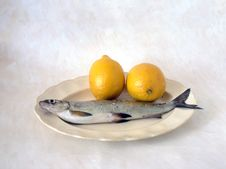 Free Fish With Lemon Royalty Free Stock Images - 14452659