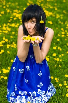 Free Summer Girl On A Background Of Grass Royalty Free Stock Photos - 14453698