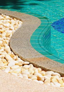 Free Curved Side Of A Swimming Pool Royalty Free Stock Photography - 14454737
