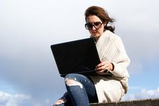 Free Attractive Woman With Laptop Stock Image - 14455891