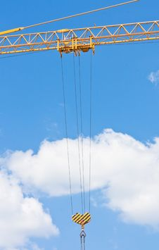 Free Crane Hook Over Blue Sky Royalty Free Stock Images - 14456319