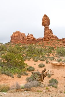 Free Balanced Rock, Utah Royalty Free Stock Photography - 14456677