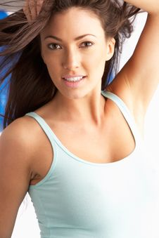 Free Attractive Young Woman In Studio Royalty Free Stock Photography - 14457037