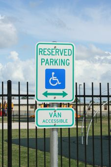 Free Handicapped Parking Royalty Free Stock Photo - 14458065