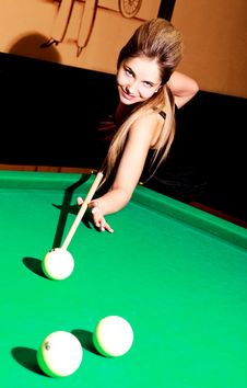 Free Girl Playing Billiard Stock Image - 14460351