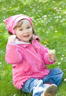 Free Little Girl In Park Royalty Free Stock Image - 14462376