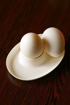 Free Two Eggs Royalty Free Stock Images - 14465869