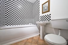 Free Modern Bathroom With Chessboard Pattern Tiles Royalty Free Stock Image - 14466686