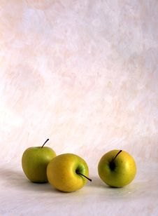 Free Apples Royalty Free Stock Images - 14468099