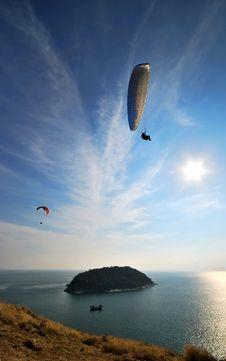 Free Parachuting Stock Photography - 14470712