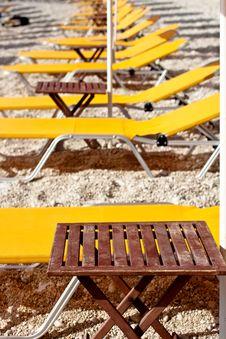 Free Yellow Deckchair Stock Image - 14471691