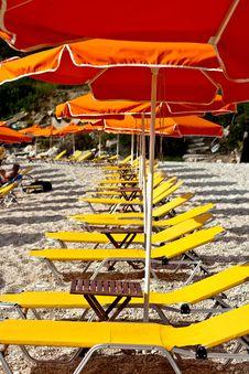 Free Yellow Deckchair Royalty Free Stock Image - 14471696