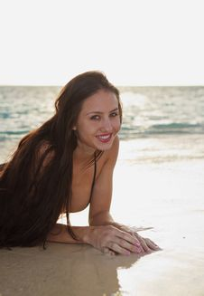 Free Young Woman At A Hawaii Beach Royalty Free Stock Images - 14472859