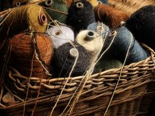 Free Wool Threads In Wooden Basket Royalty Free Stock Image - 14473876